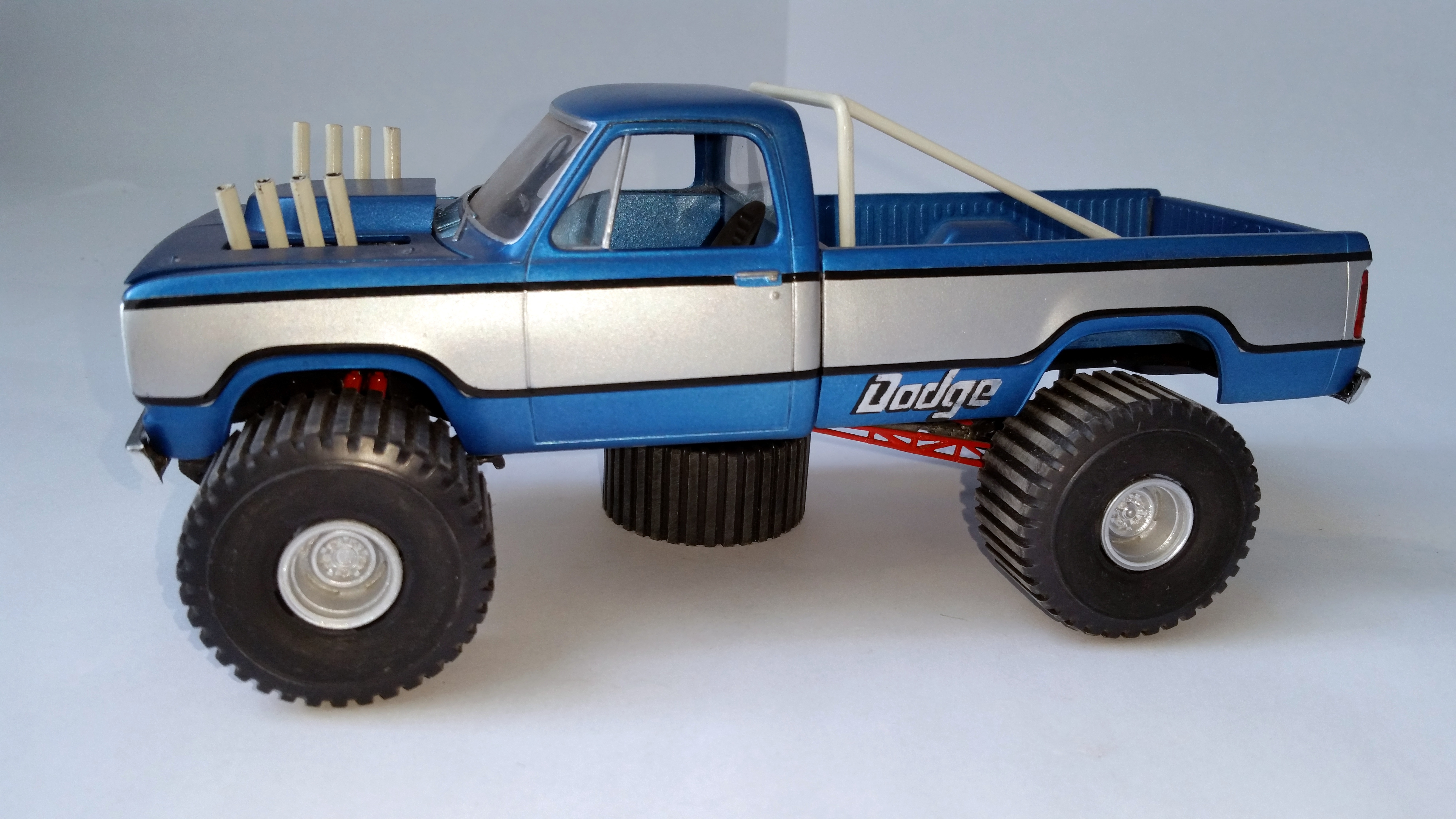 big dodge pulling truck thunderstruck  gnfoster collection